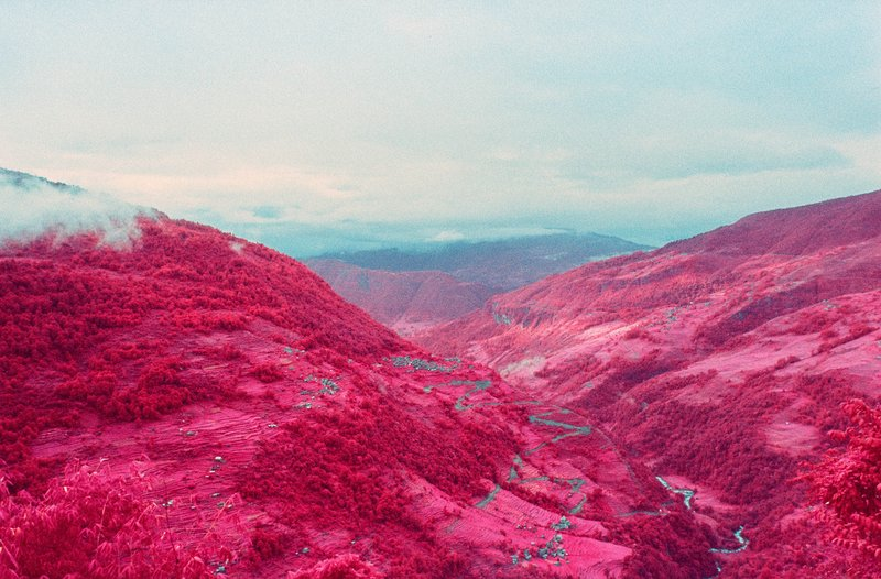 infrared-photographs-of-Annapurna-Himalayan-Range-by-sean-lynch-1