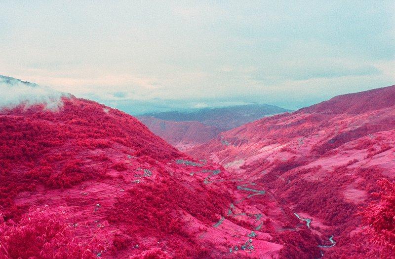infrared-photographs-of-Annapurna-Himalayan-Range-by-sean-lynch-1